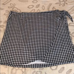 Black and White Madewell Checkered Wrap Skirt